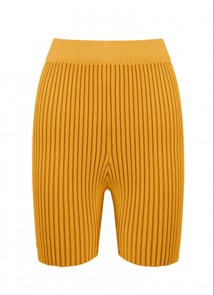 KNITTED SHORTS - MUSTARD